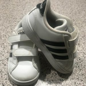 Adidas shoes size 6 in great condition